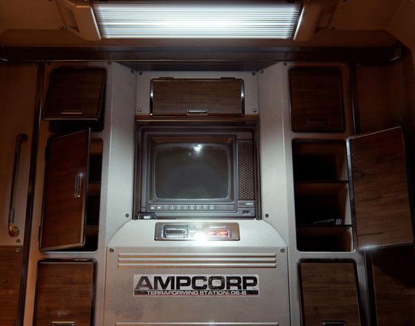 太空飞船内部厨房场景设计